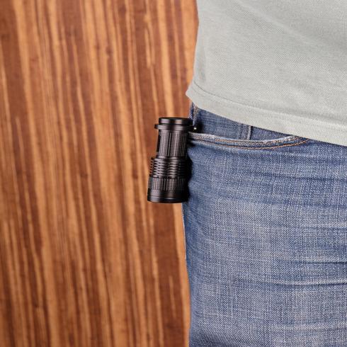 3W:n taskukokoinen CREE-taskulamppu