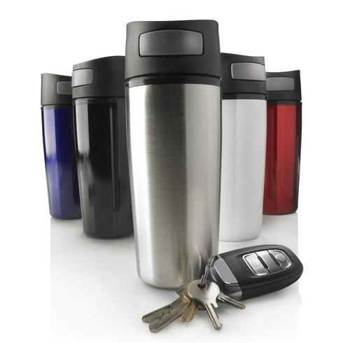 Auto-vuototiivis juomamuki avauspainikkeella