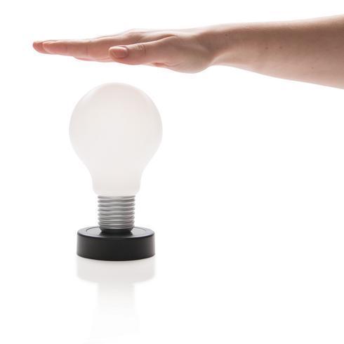 Push-lamppu