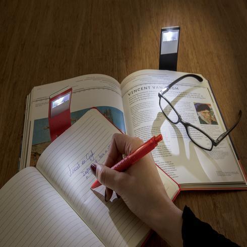 A5 muistikirja & LED-kirjanmerkki